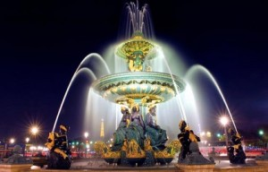 Fontaine de la Place de la Concorde à Paris de nuit